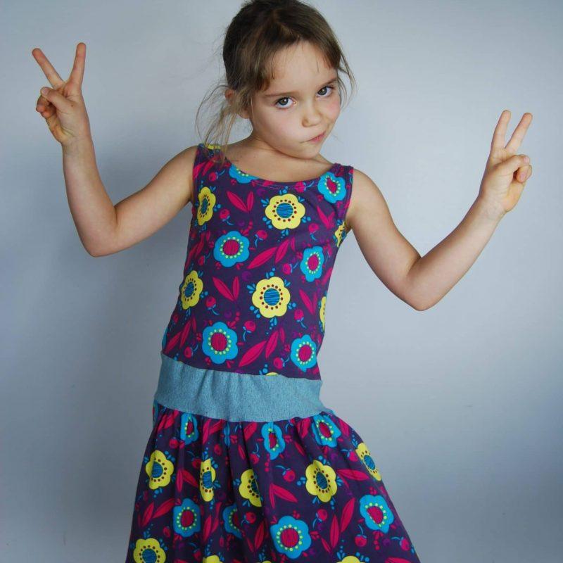 Robe biO de la boutique Elle virevolte Robes, jupes et accessoires en tissu bio GOTS pour fillette. Création française (Aveyron)