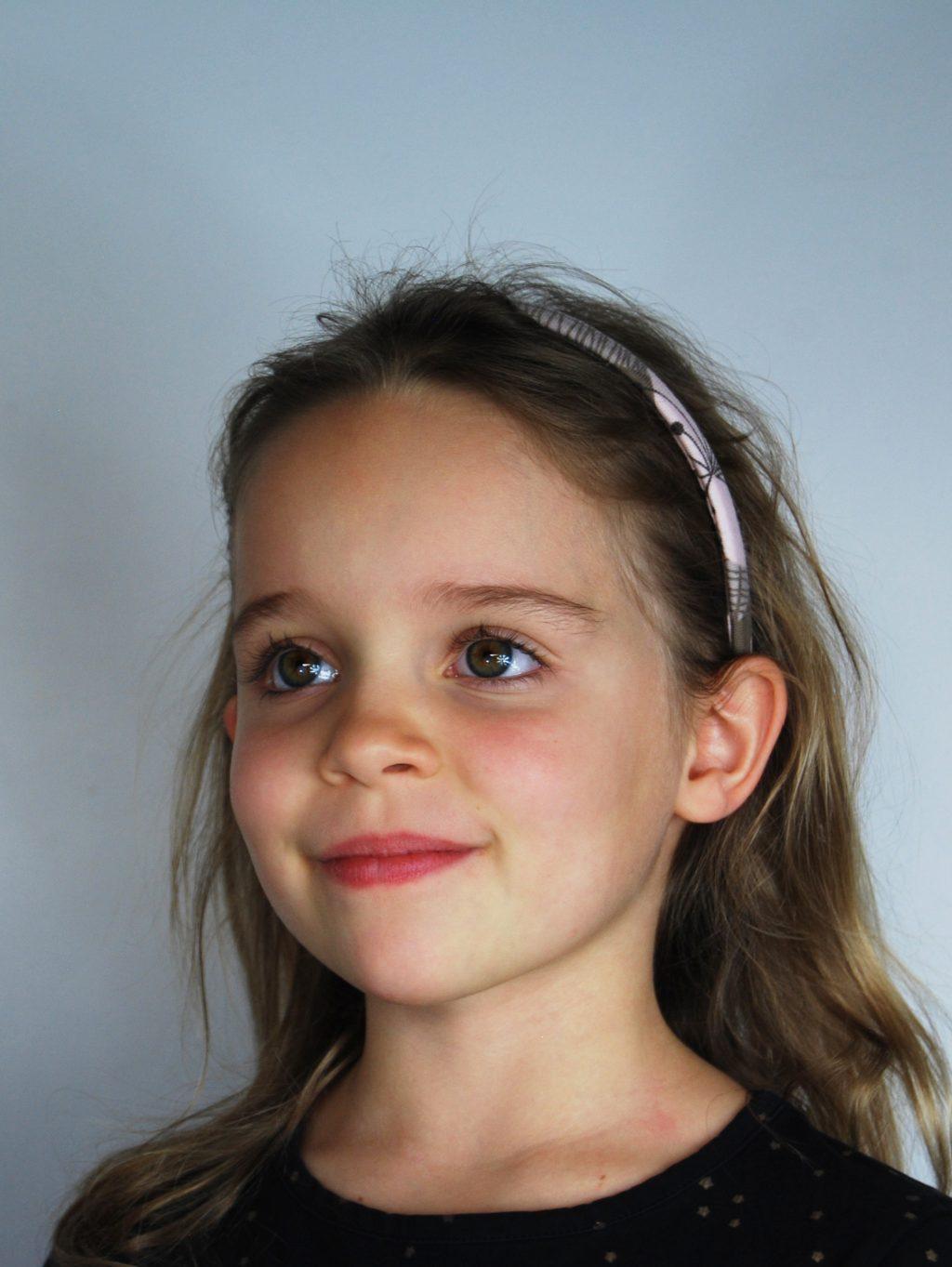Serre-tête bio de la boutique Elle virevolte Robes, jupes et accessoires en tissu bio GOTS pour fillette. Création française (Aveyron)