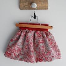 Jupe bulle (appelée aussi boule ou ballon) bio de la boutique Elle virevolte Robes, jupes et accessoires en tissu bio GOTS pour fillette. Création française (Aveyron)