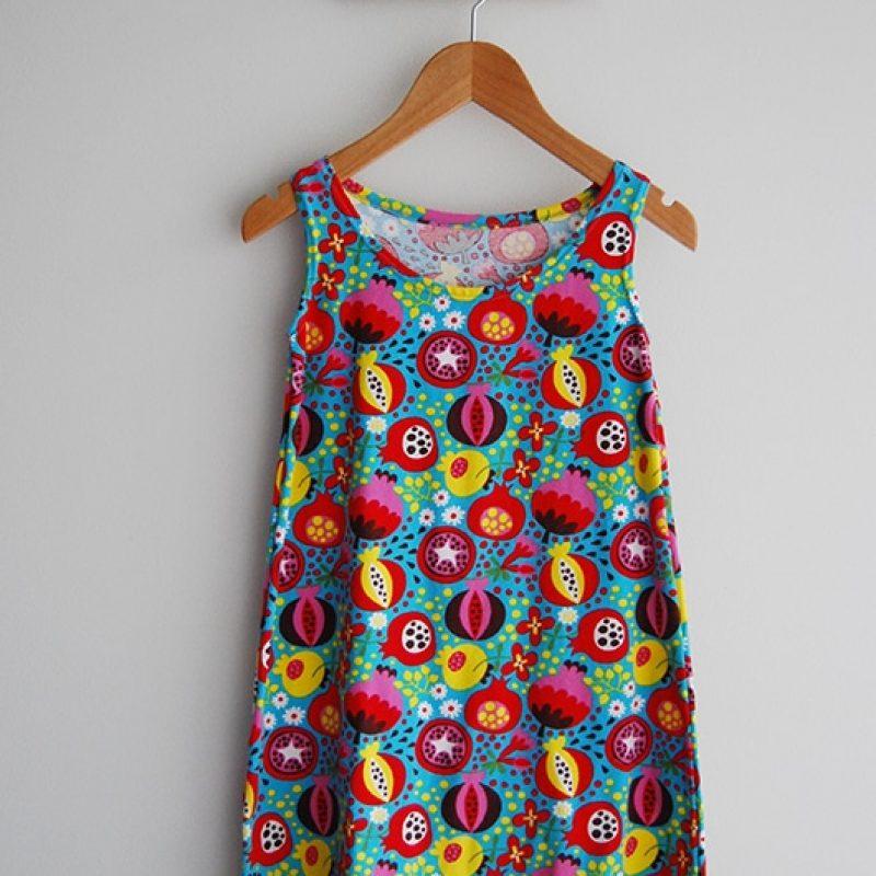 Robe de la boutique Elle virevolte Robes, jupes et accessoires en tissu bio GOTS pour fillette. Création française (Aveyron)