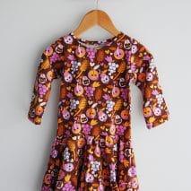 Robe manège de la boutique Elle virevolte Robes, jupes et accessoires en tissu bio GOTS pour fillette. Création française (Aveyron)