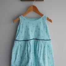 Robe papillon de la boutique Elle virevolte Robes, jupes et accessoires en tissu bio GOTS pour fillette. Création française (Aveyron)